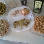 Ajdova kaša s čičeriko, sezamom in grahom