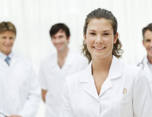 Mladi in zdravstvo, praksa, sistem in odnosi znotraj zdravstvenega tima