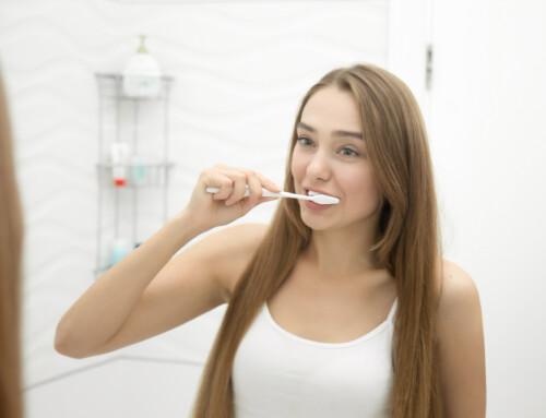 Ali veste kako preprečiti vnetje dlesni?